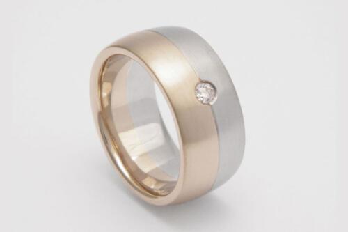 Bicolor-gouden-trouwring-diamant