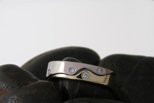 Bicolor-trouwring-4-diamant