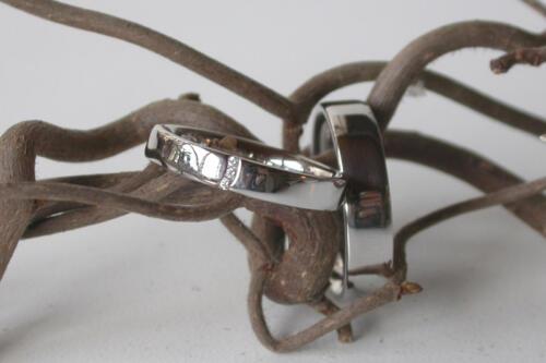 Witgouden-trouwring-3-diamant