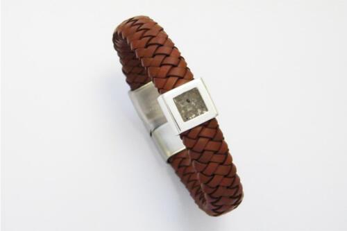 Zilveren-en-leer-armband-met as